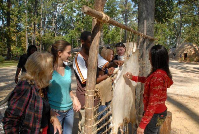 Powhatan Indian Village, Jamestown Settlement